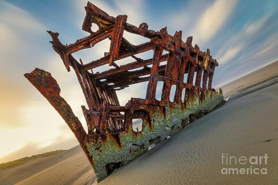 1906 WRECK OF THE PETER IREDALE by Doug Sturgess