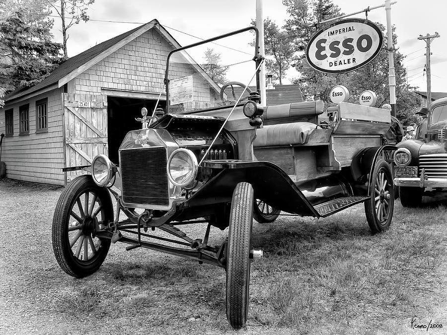 1915 Digital Art - 1915 Ford Model T Truck by Ken Morris