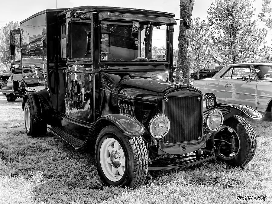 1925 Digital Art - 1925 Ford Model T Delivery Truck Hot Rod by Ken Morris