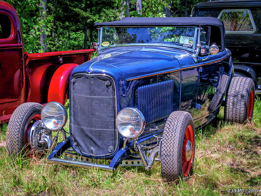 Moncton Digital Art - 1932 Ford Highboy Hot Rod Roadster by Ken Morris