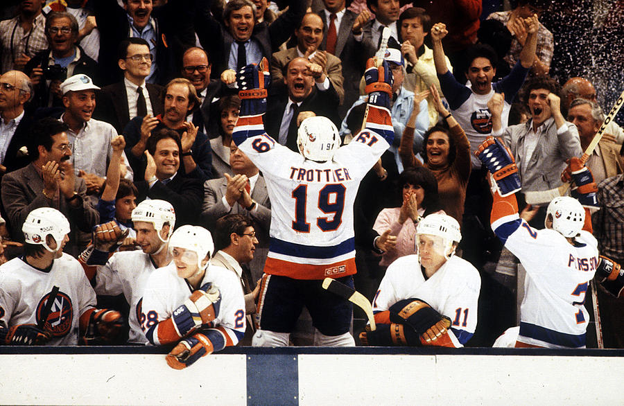 1983 Stanley Cup Finals - Game 4 Photograph by B Bennett