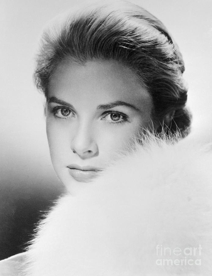 Actress Grace Kelly Photograph by Bettmann