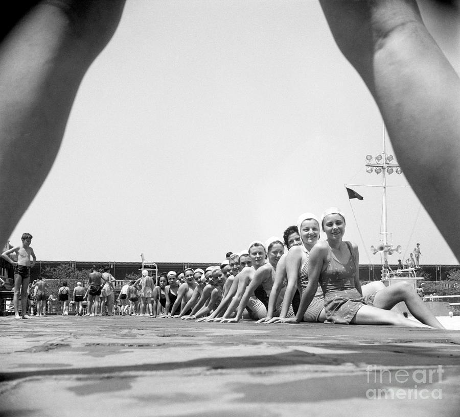 Aqua Ballerinas Photograph by Bettmann