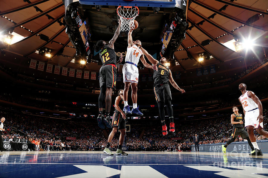 Atlanta Hawks V New York Knicks Photograph by Nathaniel S. Butler