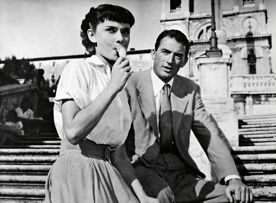 2-audrey-hepburn-and-gregory-peck-in-rom