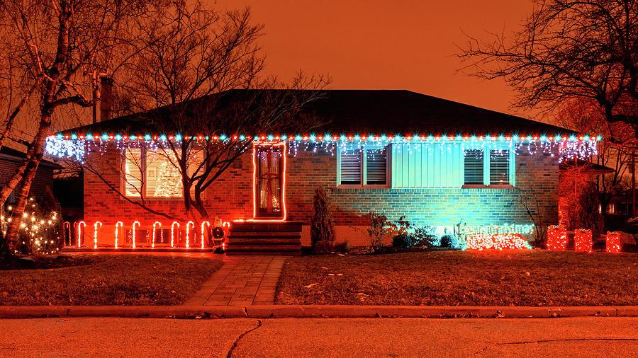 Christmas In Toronto Canada.Christmas Lights Decorating A House Toronto Canada