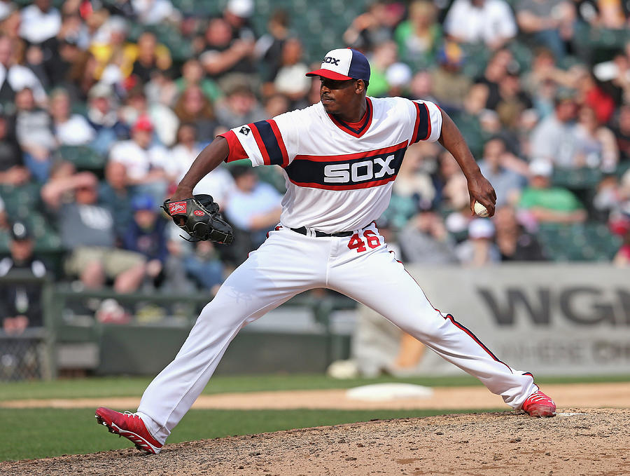 Cleveland Indians V Chicago White Sox Photograph by Jonathan Daniel