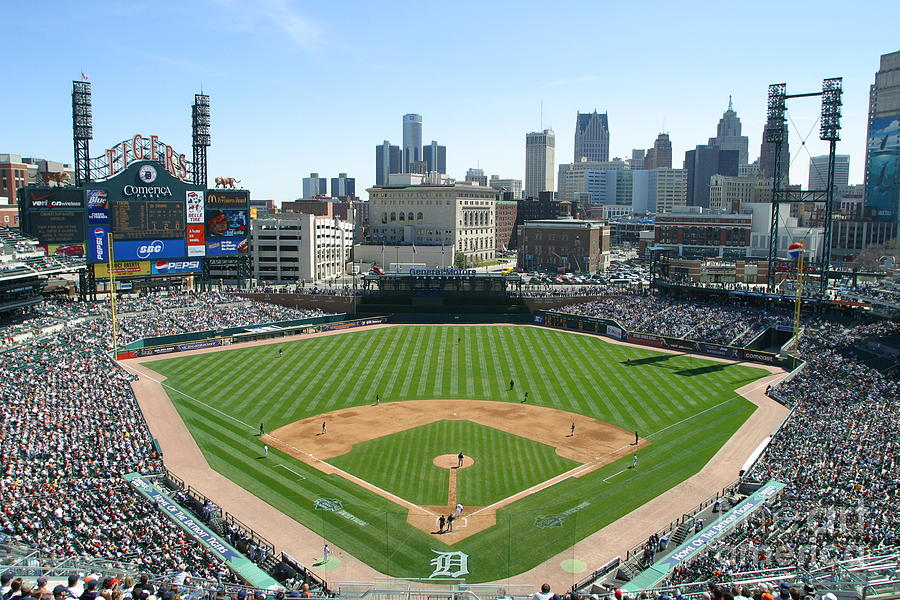 Cleveland Indians V Detroit Tigers Photograph by John Grieshop