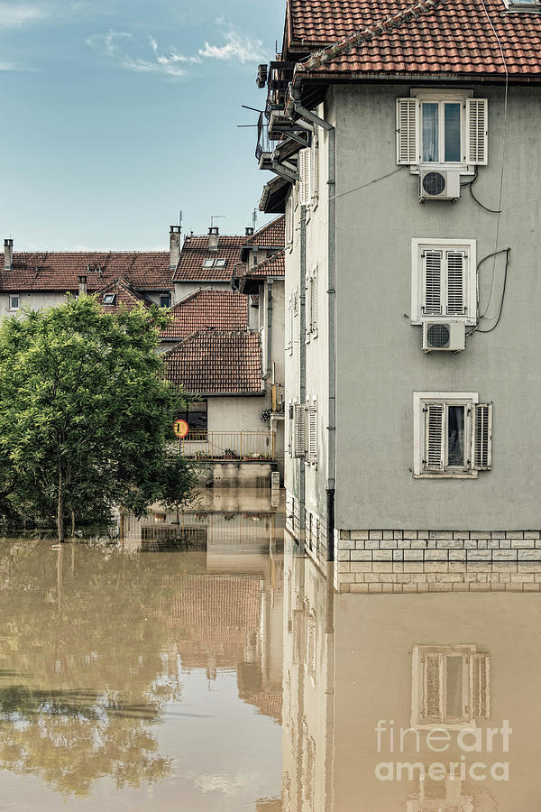 Flooded Town Photograph by Microgen Images/science Photo ...