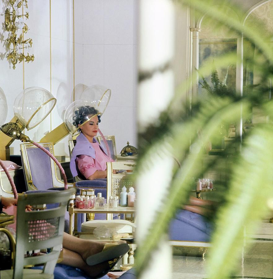 Gloria Vanderbilt At The House Of Revlon Photograph by Horst P. Horst