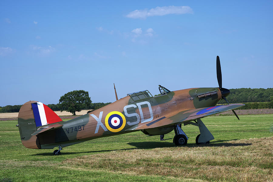 Hawker Hurricane V7497 by CHRIS DAY