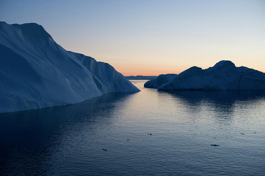Icebergs Of Ilulissat Kangerlua Photograph by Holger Leue