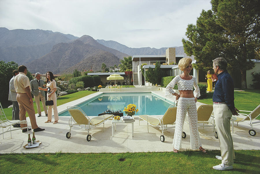 People Photograph - Kaufmann Desert House by Slim Aarons