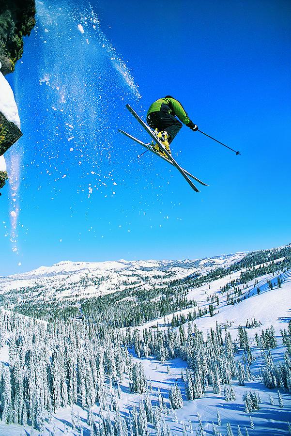 Man Skiing Photograph by Digital Vision.