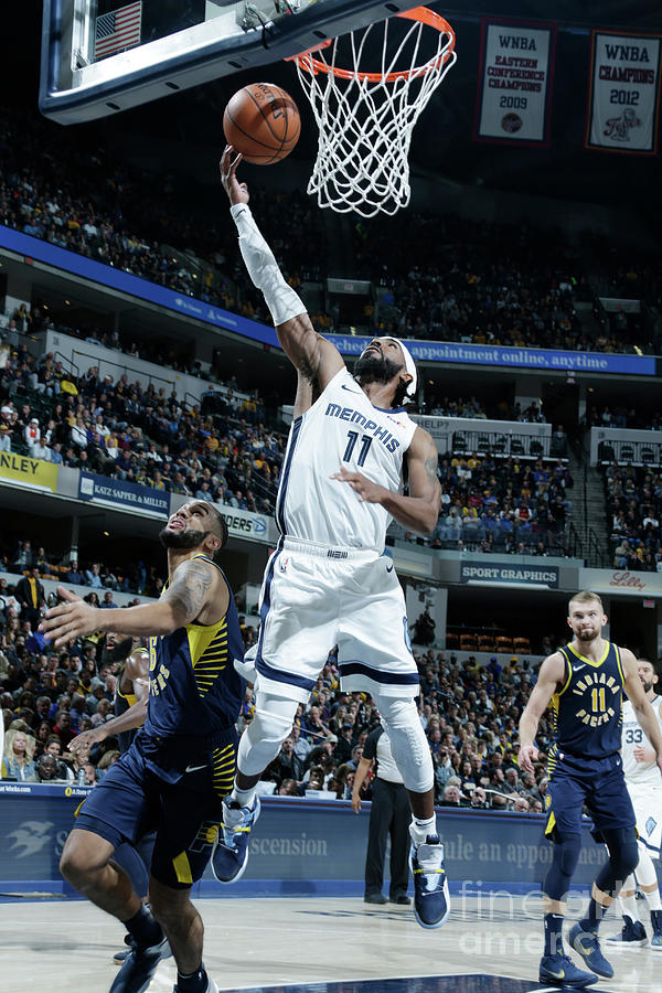Memphis Grizzlies V Indiana Pacers Photograph by Ron Hoskins