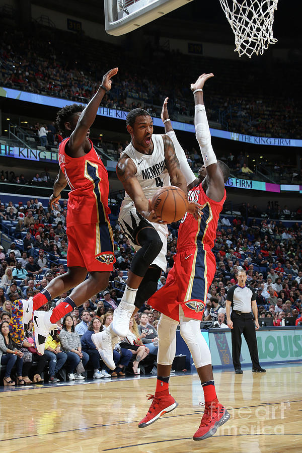 Memphis Grizzlies V New Orleans Pelicans Photograph by Layne Murdoch Jr.