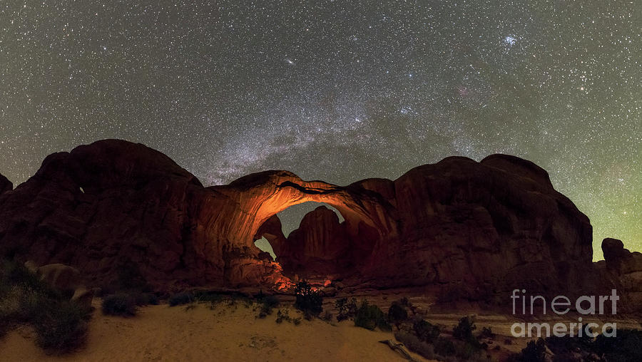 Arches National Park Photograph - Milky Way Over Arches National Park by Babak Tafreshi/science Photo Library