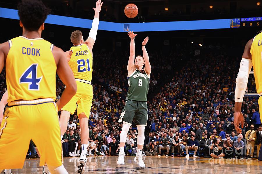 Milwaukee Bucks V Golden State Warriors Photograph by Noah Graham