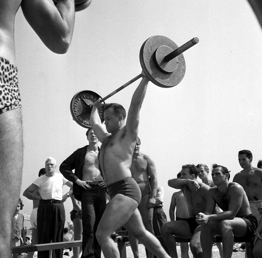 Muscle Beach Santa Monica Photograph by Michael Ochs Archives