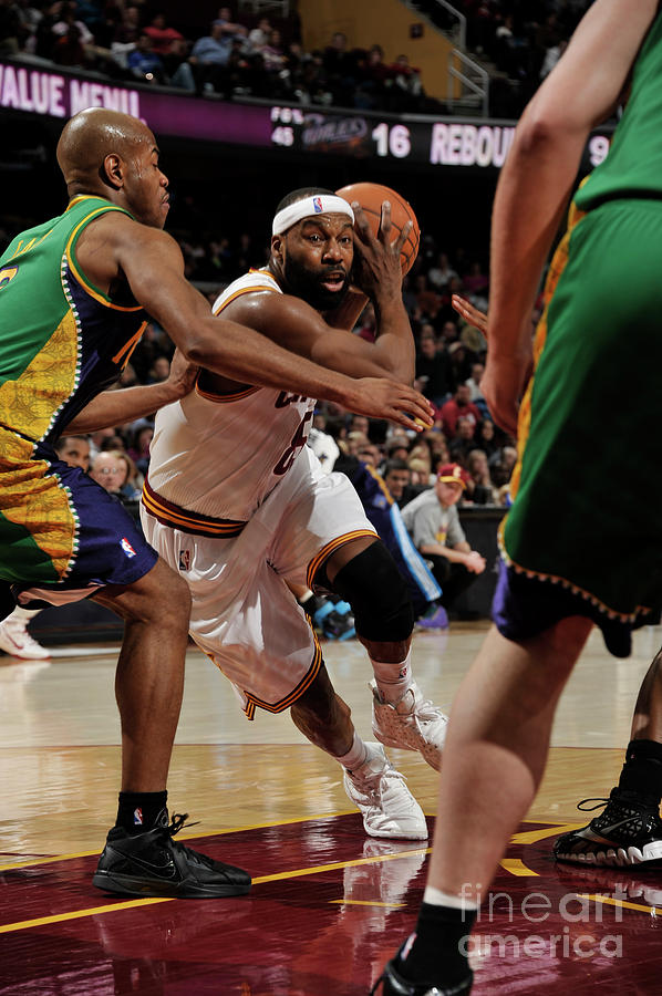 New Orleans Hornets V Cleveland 2 Photograph by David Liam Kyle