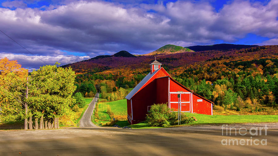 On the backroads of Stowe. by Scenic Vermont Photography