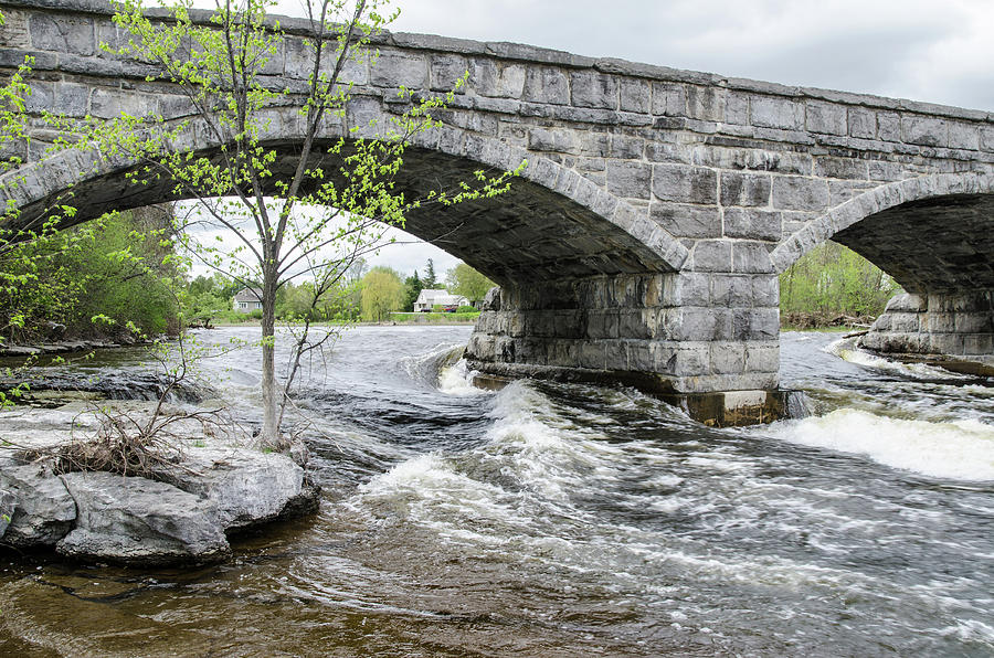 Mississippi River Photograph - Pakenhams 5 Arch Stone Bridge by Rob Huntley