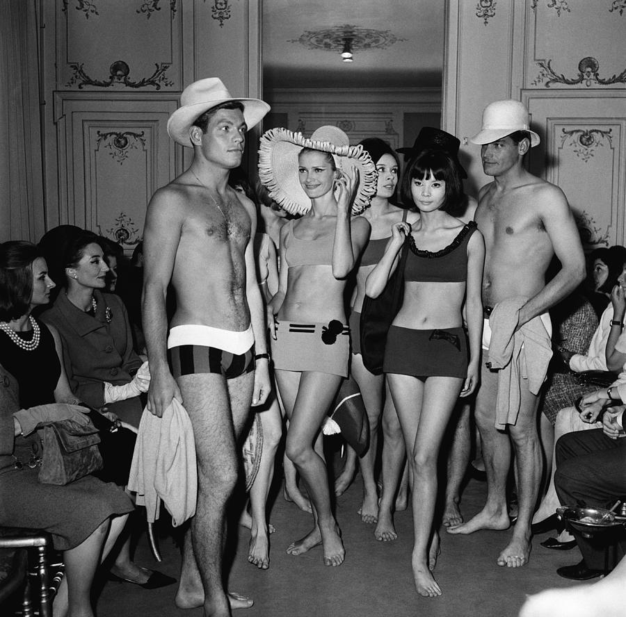 Pierre Cardin Fashion Show Photograph by Keystone-france