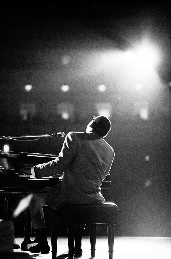 Ray Charles At Carnegie Hall Photograph by Bill Ray
