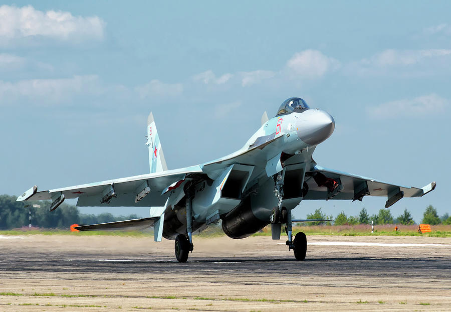 Russian Air Force Su-35 Landing by Giovanni Colla