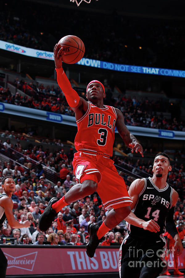 San Antonio Spurs V Chicago Bulls Photograph by Jeff Haynes