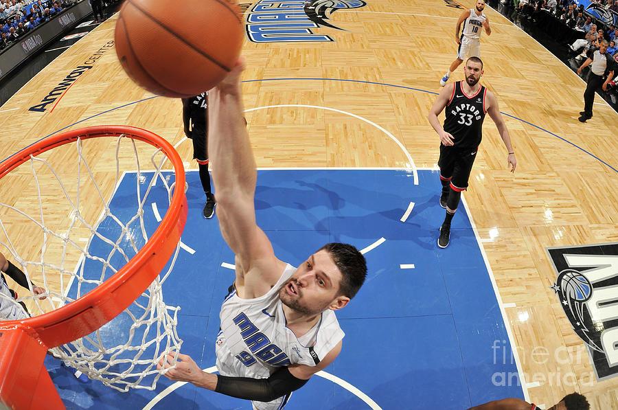 Toronto Raptors V Orlando Magic - Game Photograph by Fernando Medina