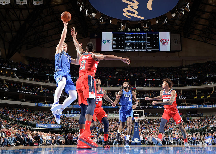 Washington Wizards V Dallas Mavericks Photograph by Glenn James