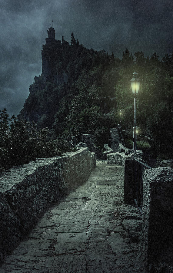 When the night comes by Jaroslaw Blaminsky