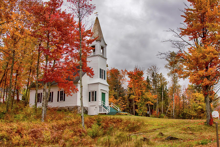 White New Hampshire church by Jeff Folger
