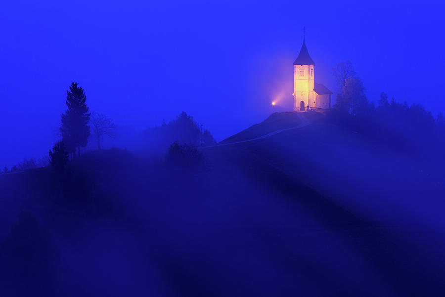 Jamnik church of Saints Primus and Felician by Ian Middleton