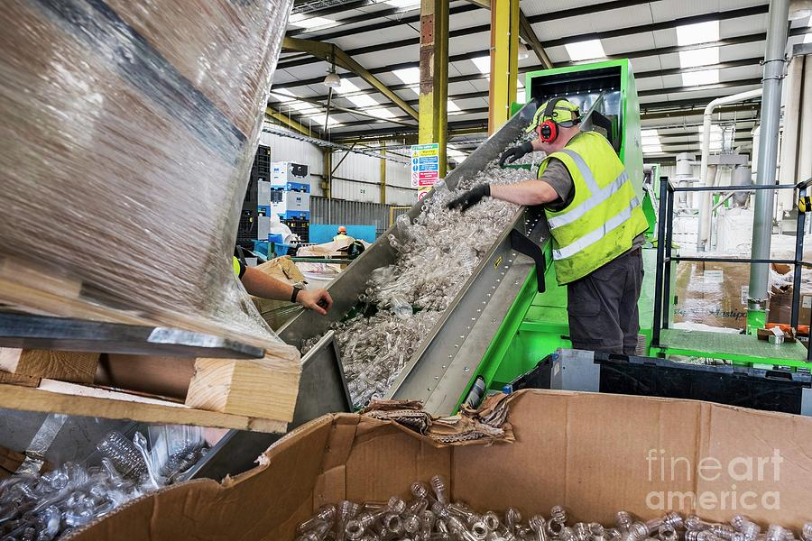 Two People Photograph - Plastics Recycling Centre by Lewis Houghton/science Photo Library