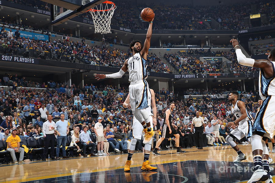 San Antonio Spurs V Memphis Grizzlies - Photograph by Joe Murphy