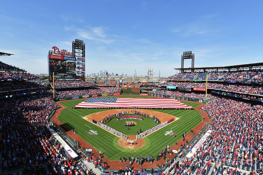 Atlanta Braves V Philadelphia Phillies Photograph by Drew Hallowell