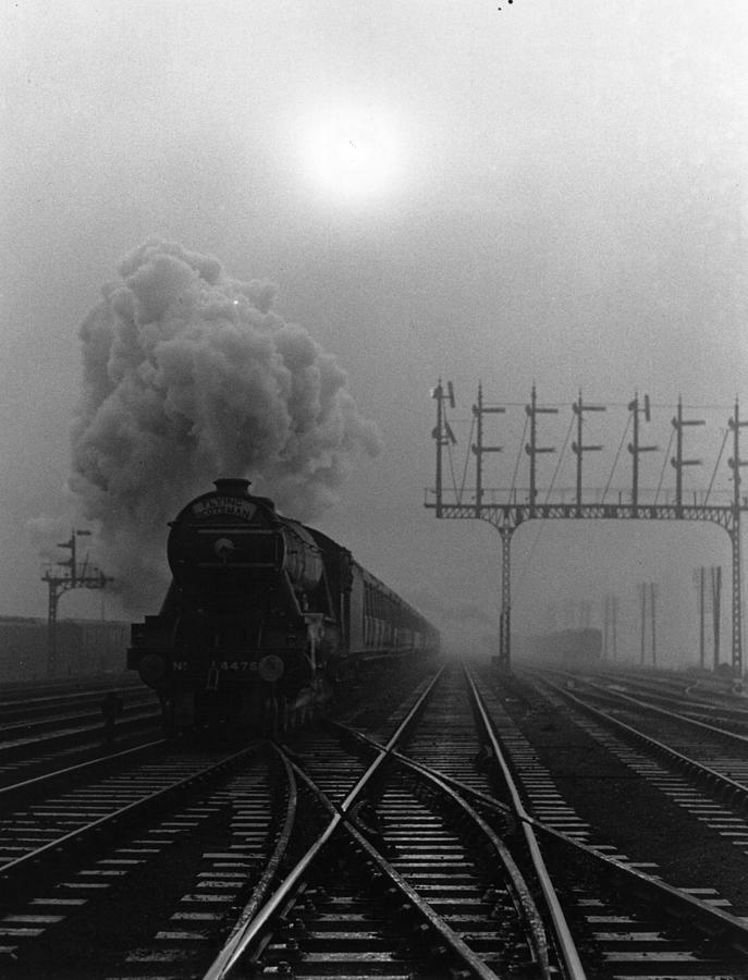 Flying Scotsman Photograph by Fox Photos