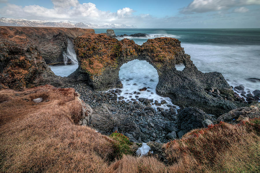 Gatklettur - Iceland by Joana Kruse