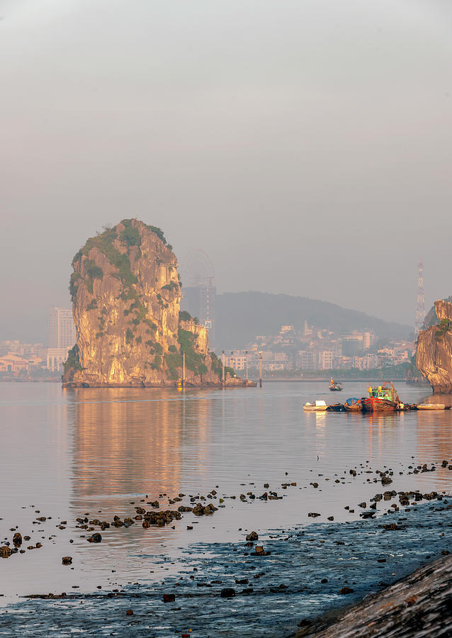 Ha Long Bay by Gouzel -