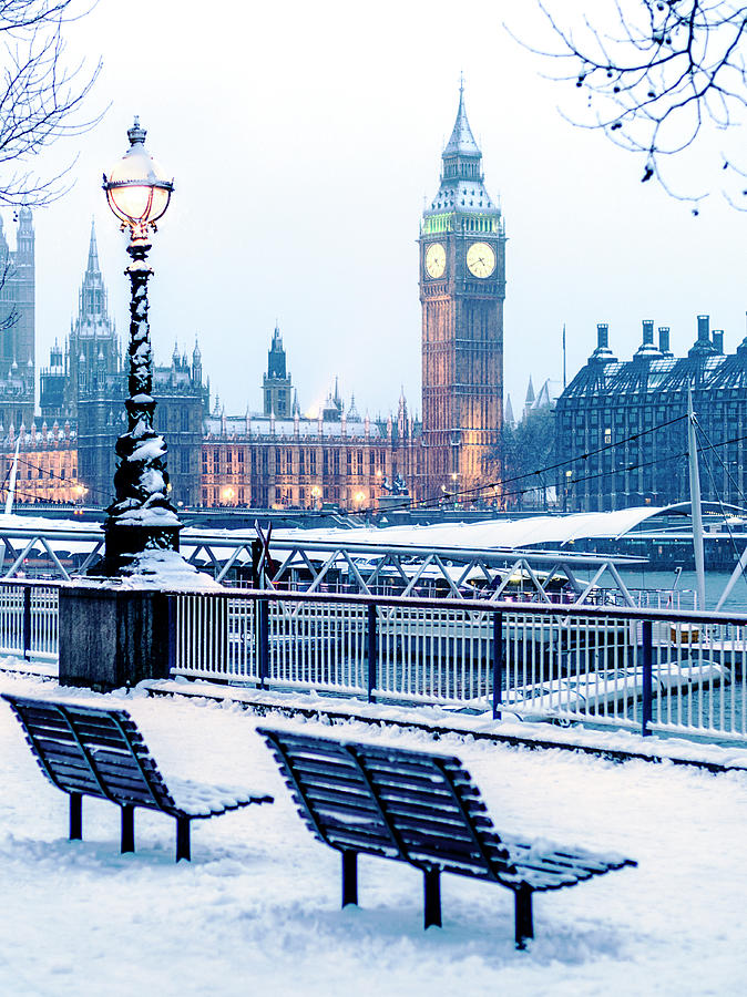 Houses Of Parliament In The Snow Photograph by Doug Armand