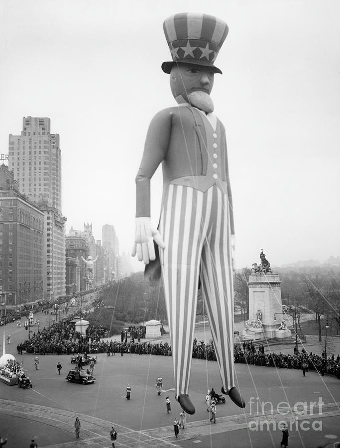 Macys Thanksgiving Day Parade Photograph by Bettmann