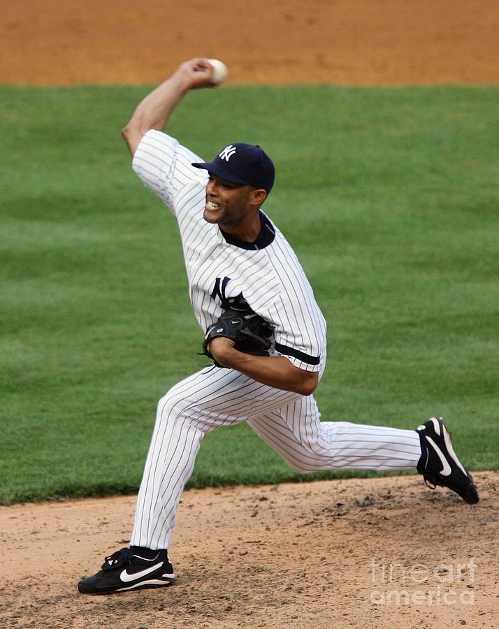New York Mets V New York Yankees 3 Photograph by Jim Mcisaac
