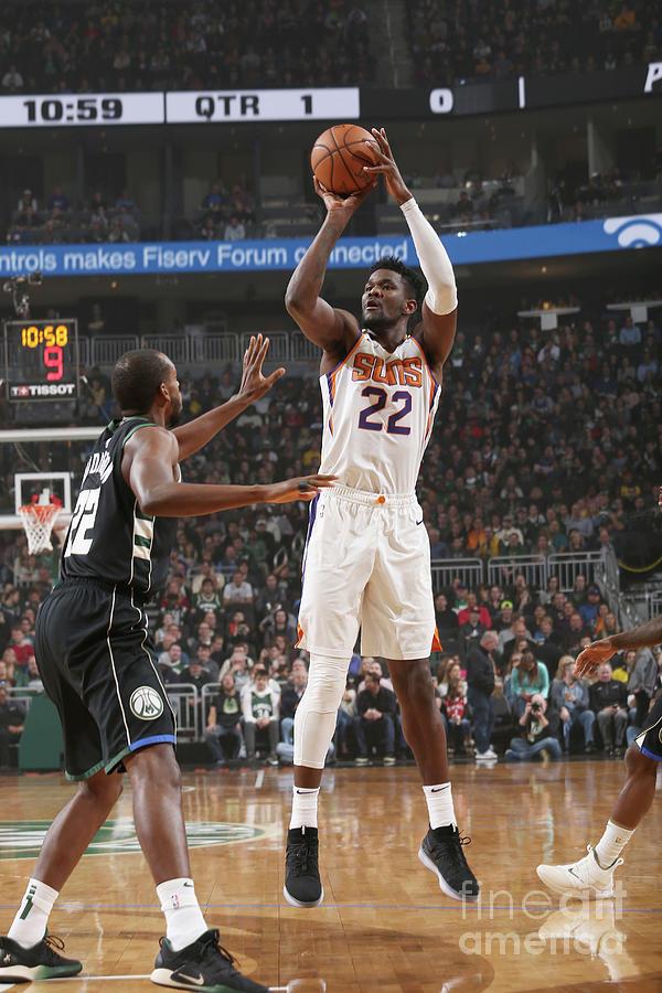 Phoenix Suns V Milwaukee Bucks Photograph by Gary Dineen