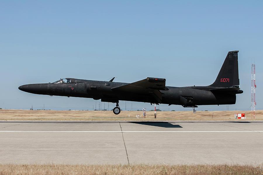 A U.s. Air Force U-2s Landing At Beale by Erik Roelofs
