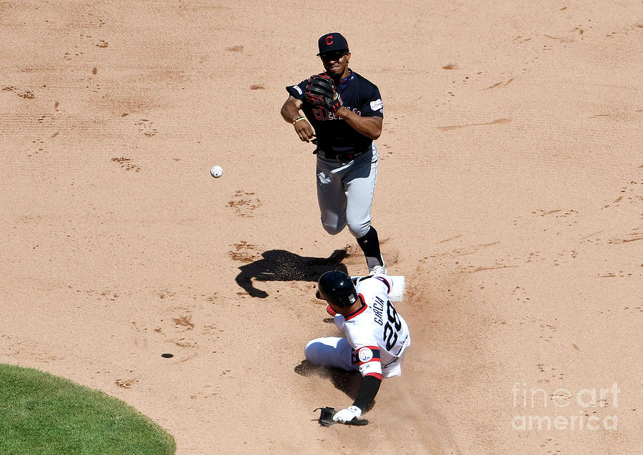 Cleveland Indians V Chicago White Sox Photograph by David Banks