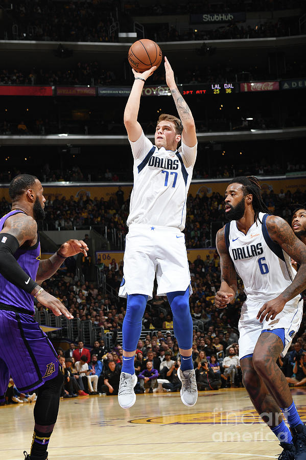 Dallas Mavericks V Los Angeles Lakers Photograph by Andrew D. Bernstein