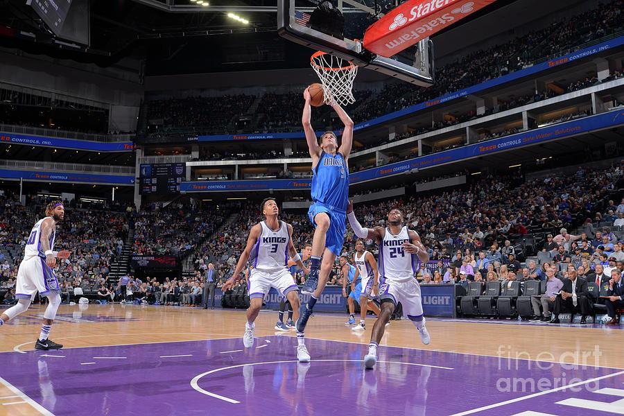 Dallas Mavericks V Sacramento Kings Photograph by Rocky Widner