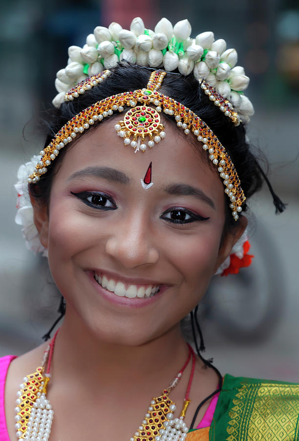 Deepavali NYC 10_6_19 Young Female Dancer by Robert Ullmann